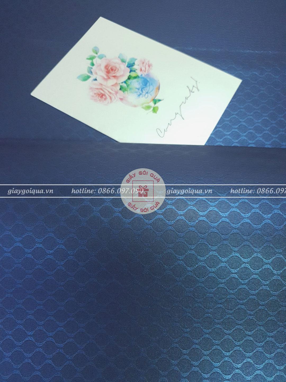 Giấy gói quà cao cấp hoa văn đuôi cá màu xanh dương