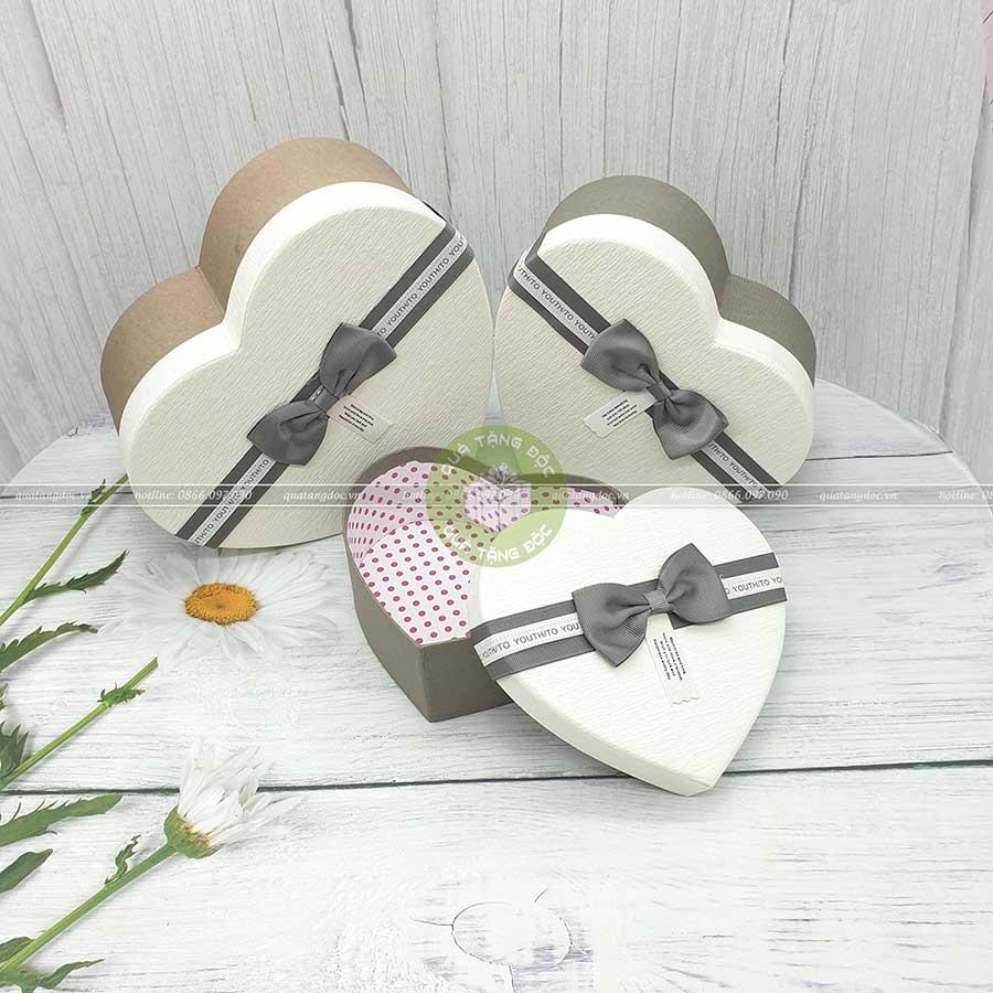 Hộp quà trái tim màu trắng 3 kích thước 16, 19, 22cm - HQ39
