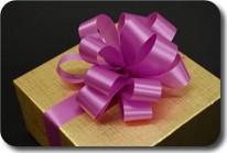 Cách làm nơ ruy băng nhựa trang trí hộp quà đẹp mắt